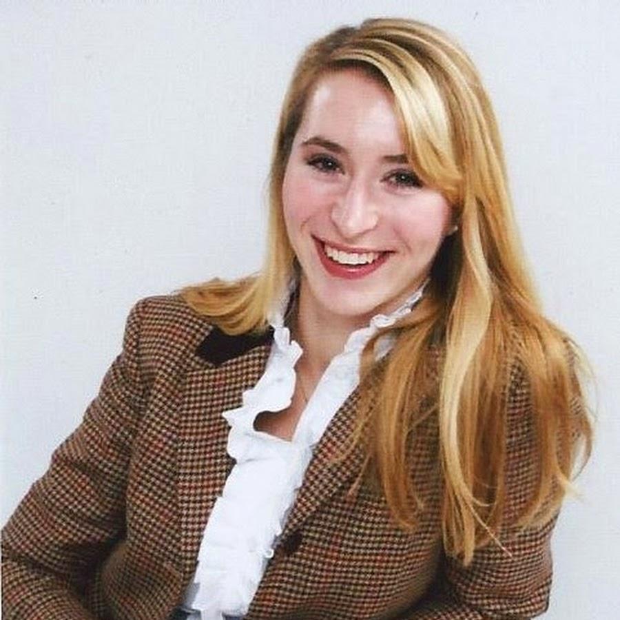 Brielle Takacs-Senske, Co-Founder, Command Your Brand